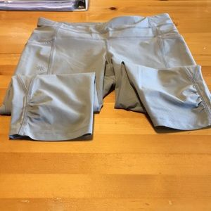 Athleta Gray Cropped Leggings Size Small